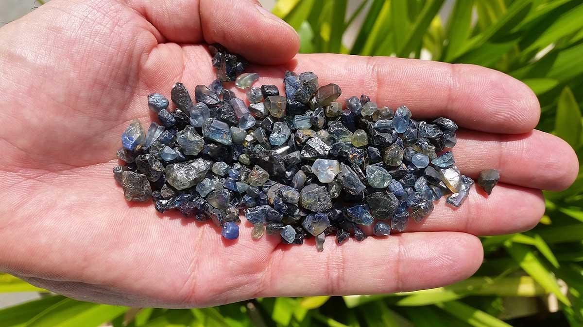 從柏威夏藍寶石