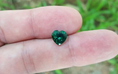Synthetic hydrothermal Emerald